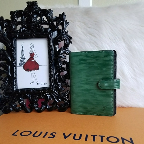 68c84c84431e4 louis vuitton Handbags - 💯AUTHENTIC Louis Vuitton PM Epi Calendar Agenda